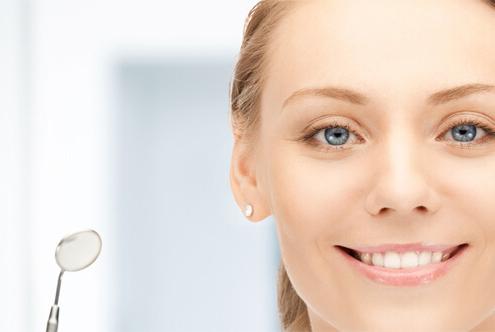 Patientin ohne Zahnarzt Angst in München